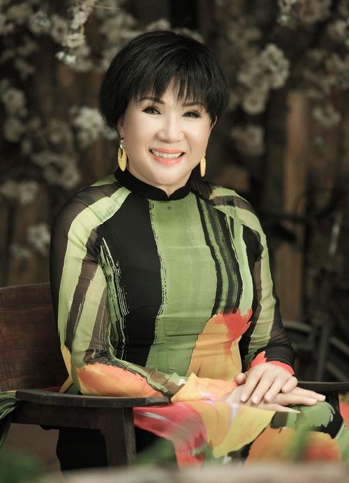 Danh ca Lệ Thu, Khánh Ly về Hà Nội biểu diễn ở Nhà hát Lớn - 1
