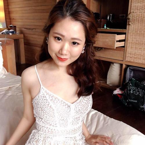 Em gái của bạn trai HH Kỳ Duyên xinh như hot girl - 6