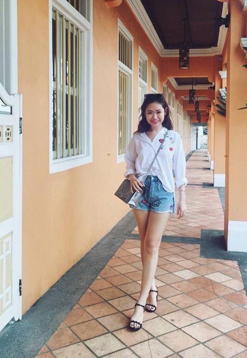 Em gái của bạn trai HH Kỳ Duyên xinh như hot girl - 8