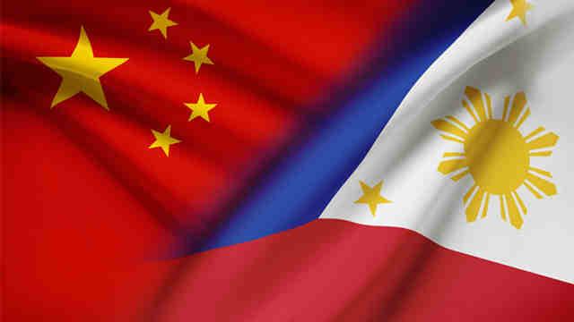 """Trung Quốc """"bắn"""" tin sẵn sàng đối thoại với Philippines - 2"""