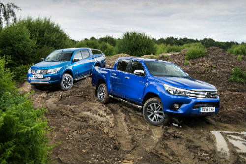 Toyota Hilux mới có đối đầu nổi với Mitsubishi L200? - 1