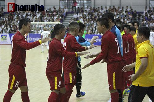 """Tuyển Futsal VN khiến nhà vô địch châu Phi """"toát mồ hôi"""" - 1"""