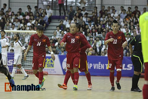 """Tuyển Futsal VN khiến nhà vô địch châu Phi """"toát mồ hôi"""" - 5"""