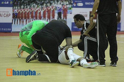 """Tuyển Futsal VN khiến nhà vô địch châu Phi """"toát mồ hôi"""" - 8"""