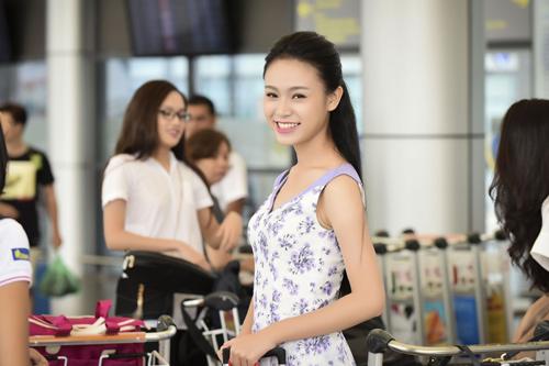 Hình ảnh đời thường mơn mởn của thí sinh Hoa hậu VN - 1