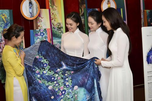 Hình ảnh đời thường mơn mởn của thí sinh Hoa hậu VN - 11