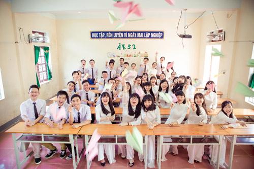 Ảnh kỷ yếu của lớp có 100% học sinh đỗ ĐH ở Nghệ An - 2
