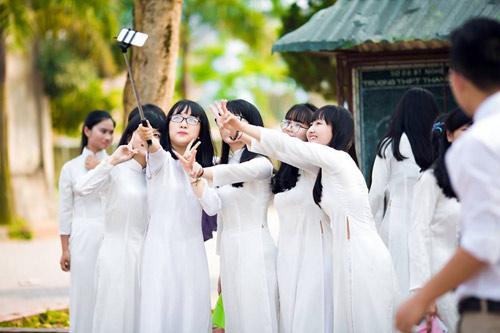 Ảnh kỷ yếu của lớp có 100% học sinh đỗ ĐH ở Nghệ An - 5