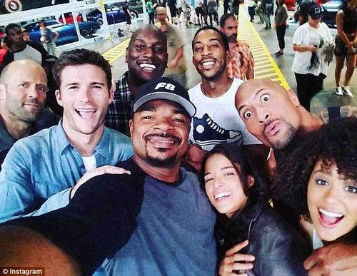 Phim chưa ra mắt, diễn viên Fast & Furious 8 đã lục đục - 4