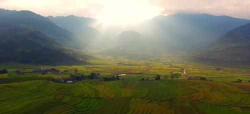 """MV """"Vươn cao Việt Nam"""" đã vượt mốc hơn 12 triệu lượt xem - 9"""