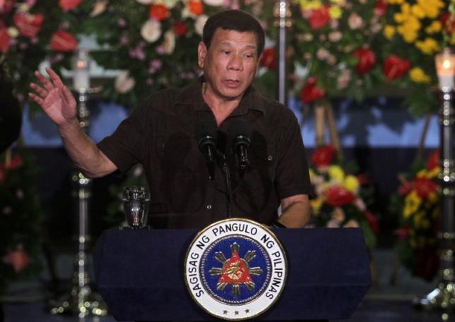 TT Philippines quyết diệt nhóm khủng bố chặt đầu con tin - 1