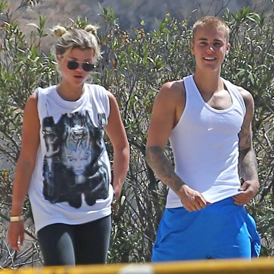 Justin Bieber bị nghi qua đêm cùng con gái danh ca Lionel Richie - 4