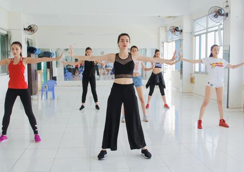 Hà Hồ dạy nhảy cho học trò The Face - 3