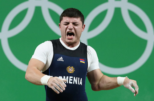 Rợn người cảnh đô cử Olympic bị trật khớp cùi chỏ - 6