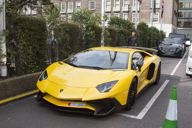 Loạt siêu xe của giới giàu Ả Rập náo loạn London - 3