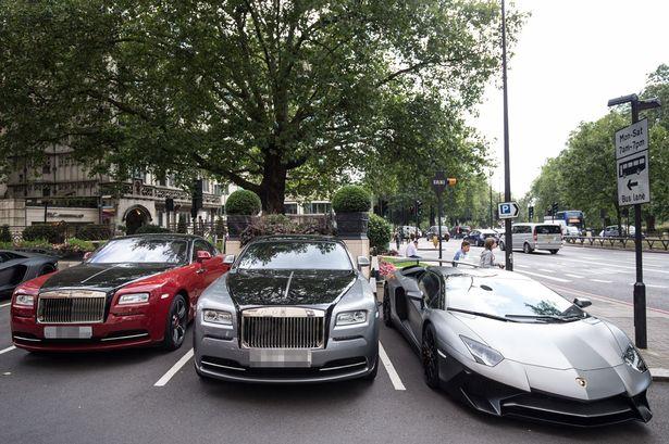 Loạt siêu xe của giới giàu Ả Rập náo loạn London - 5