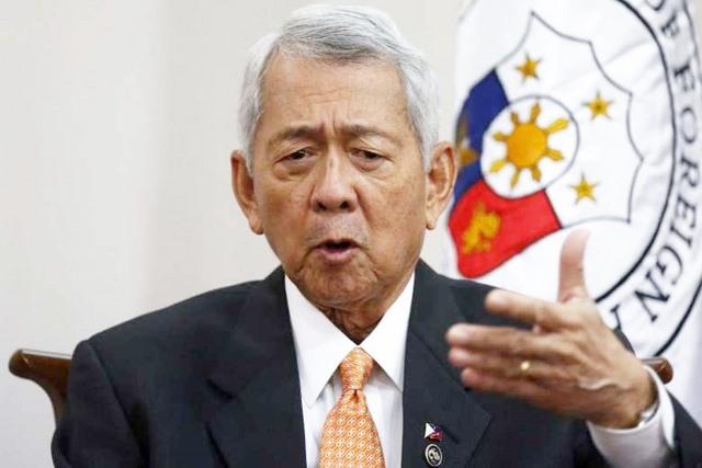 """Philippines yêu cầu TQ tuân thủ luật biển """"vô điều kiện"""" - 1"""