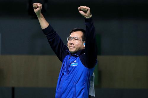 """Hoàng Xuân Vinh """"gánh team"""", đánh bại 150 đoàn thể thao - 1"""