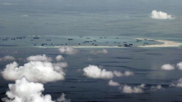 Kế hiểm đằng sau kho chứa máy bay TQ xây ở Biển Đông - 3