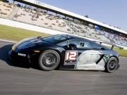 Tư vấn - Hai người Việt đầu tiên chạy thử siêu xe Lamborghini Super Trofeo