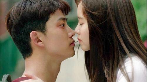 """6 người tình đẹp nhất màn ảnh của """"thầy diệt ma"""" Taecyeon - 2"""