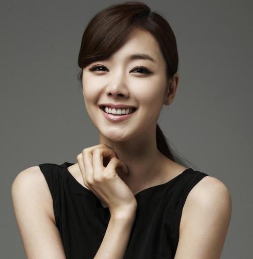 """6 người tình đẹp nhất màn ảnh của """"thầy diệt ma"""" Taecyeon - 10"""