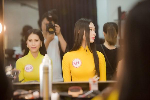 Hoa hậu Việt Nam: Chuyện hậu trường chỉ nhiếp ảnh gia biết - 4