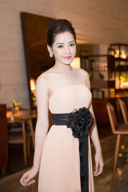 Chi Pu lên tiếng về chiếc váy sexy bị chê - 9