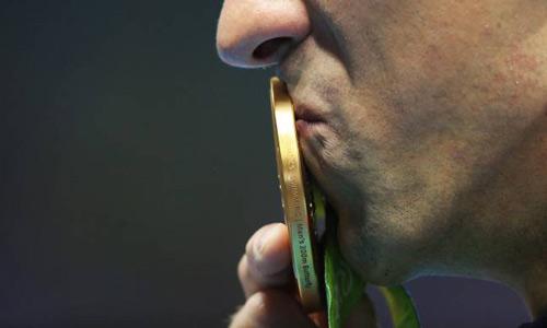 """Tiền """"tậu"""" Pogba đủ sản xuất... 200 nghìn HCV Olympic - 3"""