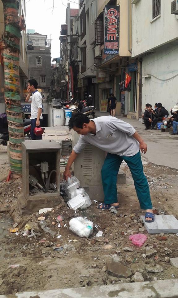 Hà Nội: Nhiều nguy cơ chết vì điện… giữa phố - 1