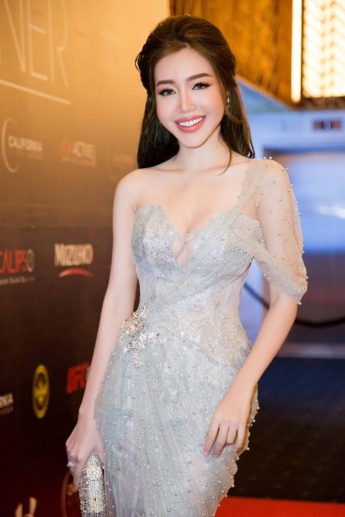 Lan Khuê, Phạm Hương thân mật sau cuộc chiến The Face - 8