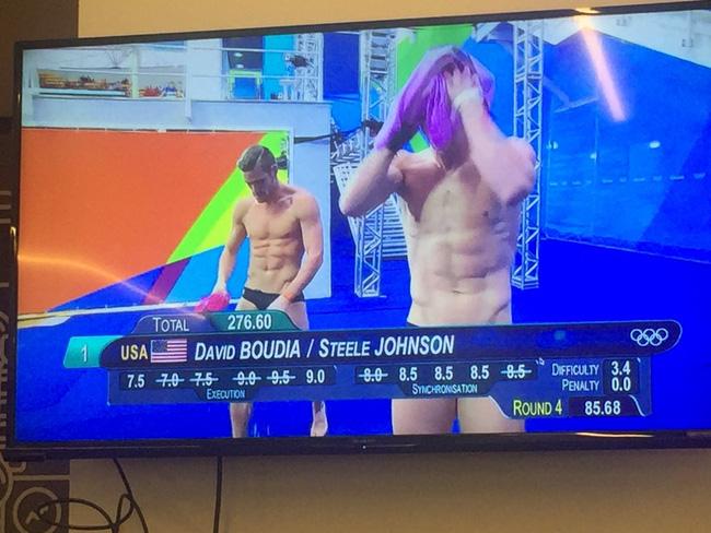 Hết hồn với sự cố trên truyền hình Olympics 2016 - 7