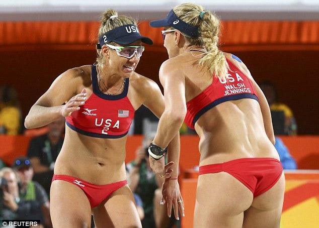 Bí mật sau bộ bikini gợi cảm của cặp vận động viên Mỹ - 1