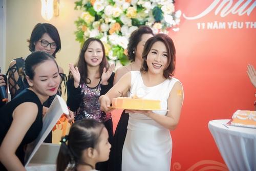 Đan Lê, Minh Hương lộng lẫy mừng Mỹ Linh tuổi 41 - 1