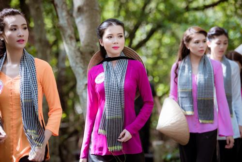Thí sinh Hoa hậu Việt Nam đẹp hút hồn với áo bà ba - 9