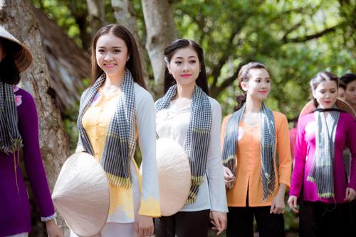 Thí sinh Hoa hậu Việt Nam đẹp hút hồn với áo bà ba - 8