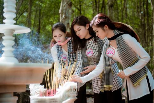 Thí sinh Hoa hậu Việt Nam đẹp hút hồn với áo bà ba - 13