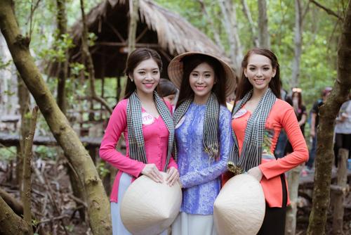 Thí sinh Hoa hậu Việt Nam đẹp hút hồn với áo bà ba - 15
