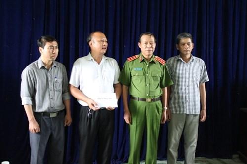 Thứ trưởng CA lên Lào Cai chỉ đạo điều tra vụ thảm án - 2