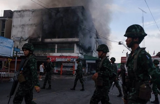 Thái Lan hứng chịu 11 vụ đánh bom liên tiếp trong 24 giờ - 5