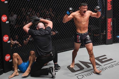 """MMA: Võ sĩ gốc Việt đụng """"Cơn ác mộng châu Á"""" - 2"""