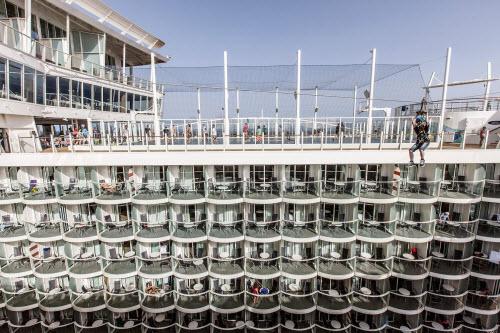 """Mục sở thị du thuyền """"khủng"""" nhất thế giới - 5"""