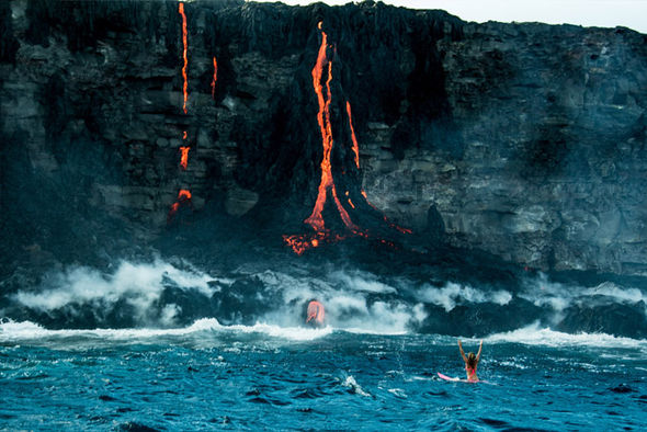 Người đẹp liều mình lướt ván gần dòng dung nham nóng đỏ - 3