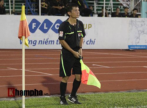 """Trọng tài """"dính phốt"""" trận Sài Gòn – Than Quảng Ninh - 1"""
