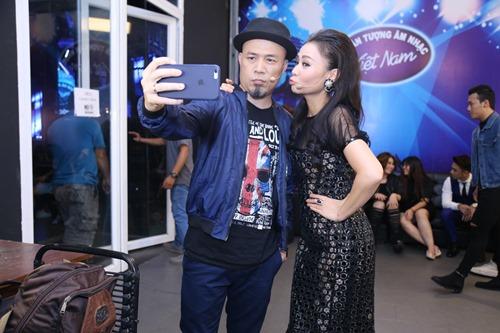Thu Minh diện lại váy cũ làm giám khảo Vietnam Idol - 4