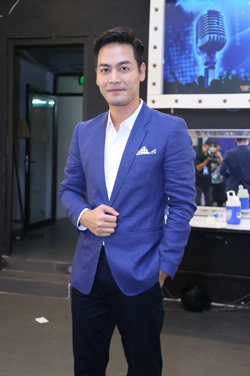 Thu Minh diện lại váy cũ làm giám khảo Vietnam Idol - 8