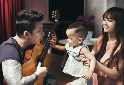 Lê Hoàng The Men khoe ảnh ngọt ngào bên vợ con - 2