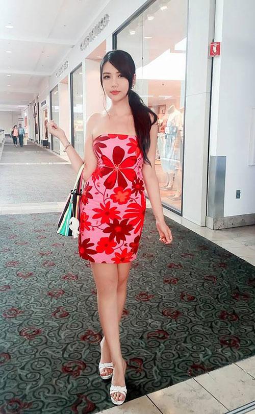 """Cô gái Việt """"lột xác"""" xinh đẹp, nổi tiếng trên đất Mỹ - 10"""
