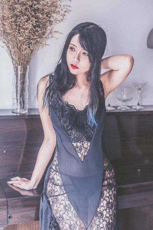 """Cô gái Việt """"lột xác"""" xinh đẹp, nổi tiếng trên đất Mỹ - 9"""