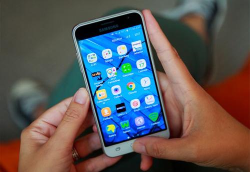 """Top 6 smartphone pin """"trâu"""" nhất thị trường - 6"""
